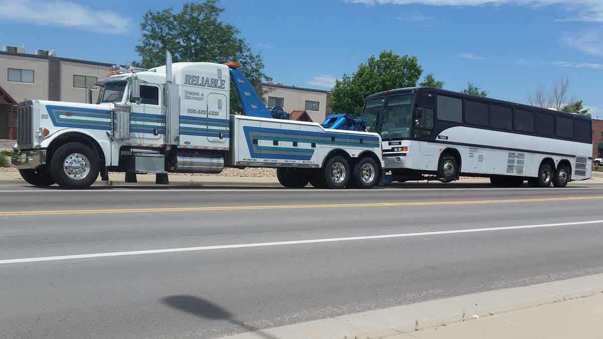 RV Towing Longmont CO